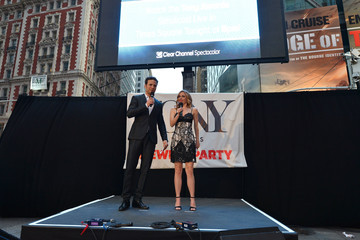 Kelly Butler Tony Awards Times Square Simulcast