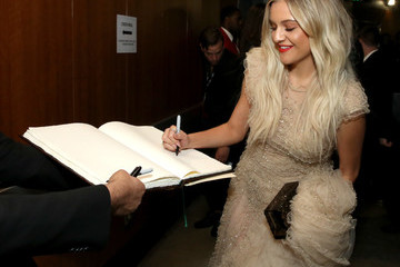 Kelsea Ballerini 61st Annual Grammy Awards - Grammy Charities Signings - Day 4