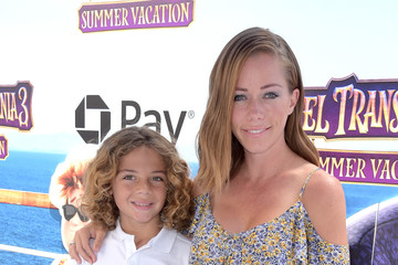 Kendra Wilkinson Columbia Pictures And Sony Pictures Animation's World Premiere Of 'Hotel Transylvania 3: Summer Vacation' - Red Carpet