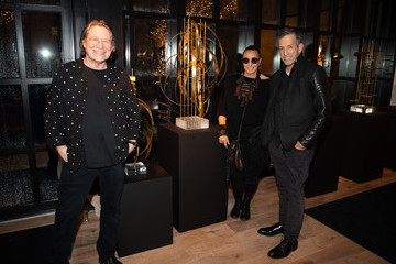 Kenneth Cole Urban Zen Host Artist And Visionary Robert Lee Morris