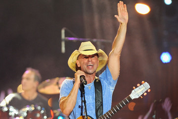 Kenny Chesney 2015 CMT Music Awards - Show