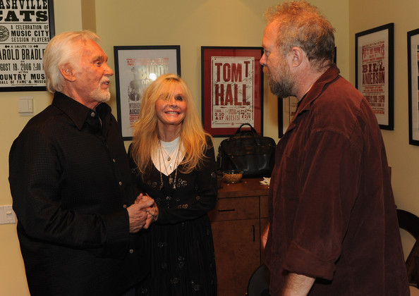 Kim Carnes and Kenny Rogers Photos - Country Music Hall Of ...