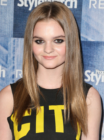 The 20-year old daughter of father John Dorsey and mother(?), 169 cm tall Kerris Dorsey in 2018 photo