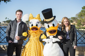 Kerry Butler Broadway Stars Kevin Massey And Kerry Butler Perform At Epcot
