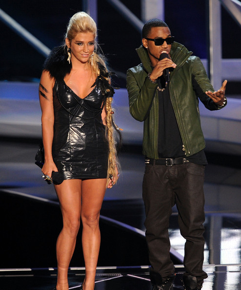 Kesha Singers Kesha (L) and Trey Songz speak onstage during the 2010 MTV