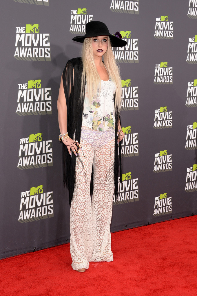 مـهـرجــــان 2013 Movie Awards Kesha 2013 MTV Movie Awards Arrivals J8y0ZZ67Tm2x.jpg