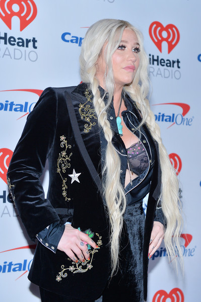 Kesha - iHeartRadio Music Festival Day 2 | 2 Pictures ...