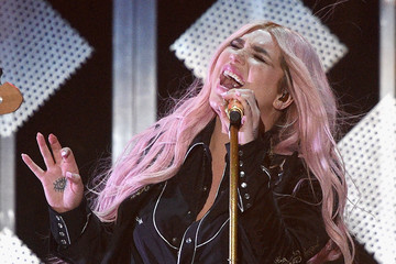 Kesha 102.7 KIIS FM's Jingle Ball 2017 - Show