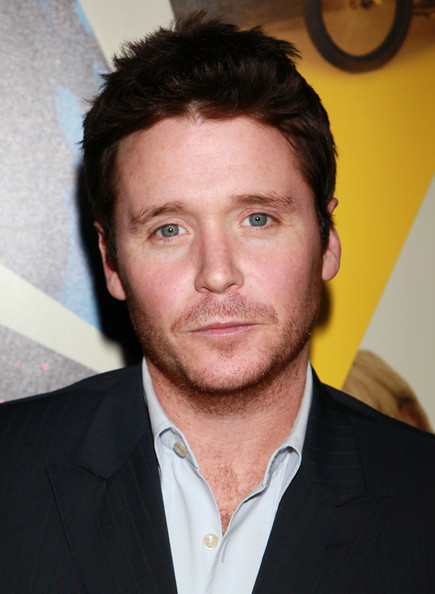how tall is kevin connolly
