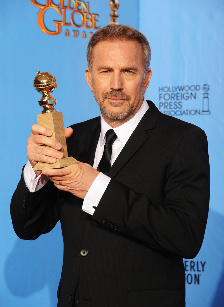 http://www3.pictures.zimbio.com/gi/Kevin+Costner+70th+Annual+Golden+Globe+Awards+6G8YEOJtyqax.jpg