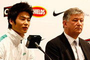 South Korean footballer Ki Sung-Yueng and Chief Executive of Celtic Peter Lewell address the media during a press conference announcing he will be joining Glasgow Celtic  at Nike Korea on December 21, 2009 in Seoul, South Korea. Ki Sung-Yueng, has agreed a contract for up to four years with the club and will join Celtic on January 1, 2010.