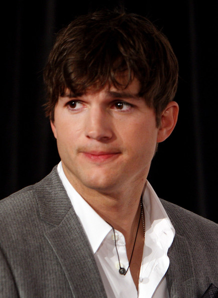 ashton kutcher killers hairstyle. Ashton Kutcher Ashton Kutcher