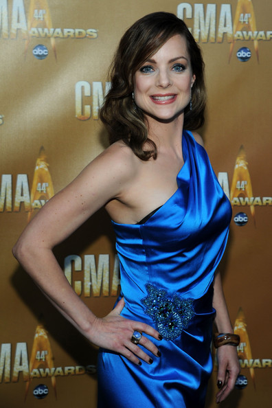 Actress Kimberly WilliamsPaisley attends the 44th Annual CMA Awards at the