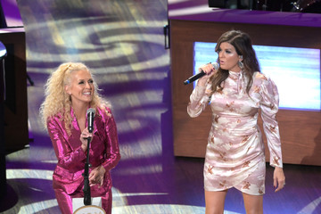 Kimberly Schlapman Opry Goes Pink 2020