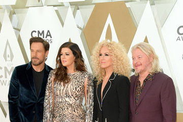 Kimberly Schlapman The 53rd Annual CMA Awards - Arrivals