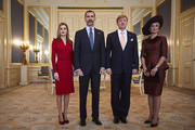 Spain's King Felipe VI (2nd L) and his wife Queen Letizia (L) pose for a photo with the Netherlands' King Willem-Alexander (2nd R) and his wife Queen Maxima at the royal palace Noordeinde on October 15, 2014 in The Hague, Netherlands. Spain's royal couple are in the Netherlands for a one-day official visit and will meet with Dutch Prime Minister Mark Rutte later today.