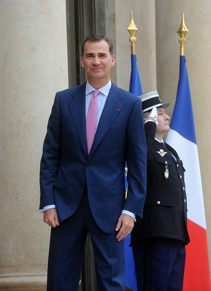 King Felipe VI of Spain arrives at the Elysee Palace on July 22, 2014 in Paris, France. King Felipe VI and Queen Letizia of Spain are in offical day visit in France.