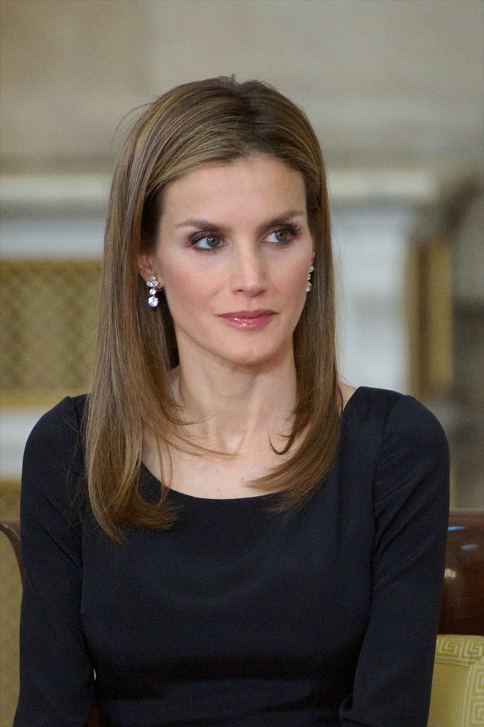 Queen Letizia Of Spain Photos King Juan Carlos I Signs