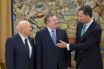 Alexei Leonov King Juan Carlos of Spain Meets Mr. Alexei Leonov at zarzuela Palace