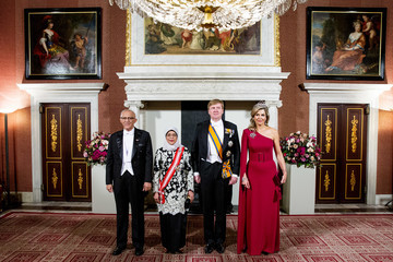 King Willem-Alexander King Willem-Alexander Of The Netherlands And Queen Maxima Receive President of Singapore Halimah Yacob: Day One