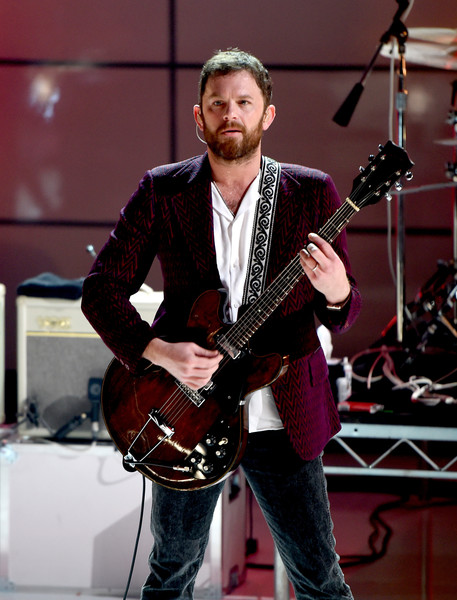 Lily Aldridge links arms with Caleb Followill after ...