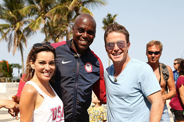 Kit Hoover Billy Bush & Carl Lewis at the Speed-Walking Race for Ages