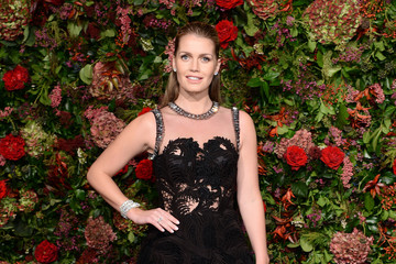 Kitty Spencer Evening Standard Theatre Awards - Red Carpet Arrivals c621e56cdc