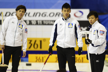Kosuke Morozumi Curling Olympic Qualification Tournament: Day 1