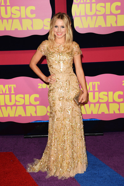 Kristen Bell - 2012 CMT Music Awards - Arrivals