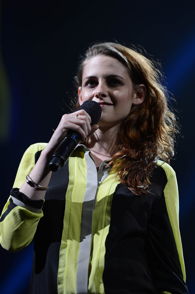 Kristen Stewart - 12-12-12 Concert Benefiting The Robin Hood Relief Fund To Aid The Victims Of Hurricane Sandy - Show