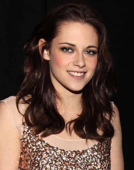 Kristen Stewart Actress Kristen Stewart attends the 2011 People's Choice Awards at Nokia Theatre L.A. Live on January 5, 2011 in Los Angeles, California.