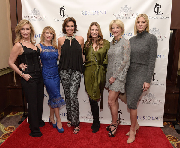 "Countess Luann de Lesseps' ""Resident Magazine"" Cover Party"