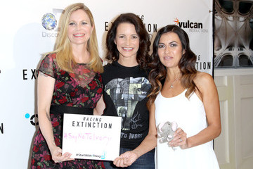 Kristin Bauer van Straten Los Angeles Premiere of 'RACING EXTINCTION'