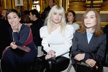 Kristin Scott Thomas Stella McCartney: Front Row - Paris Fashion Week Womenswear Fall/Winter 2018/2019