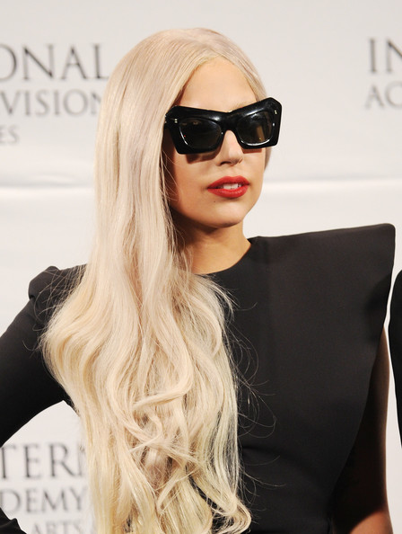 http://www3.pictures.zimbio.com/gi/Lady+Gaga+Nespresso+Press+Room+39th+International+fAfNrkdrBqLl.jpg