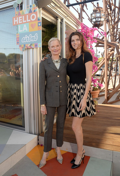 Robin Bell lake bell and robin bell photos photos - celebs at airbnb's hello