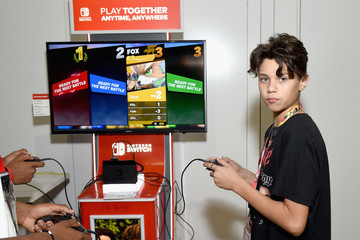 Landon Barker Nintendo Hosts Celebrities At 2018 E3 Gaming Convention