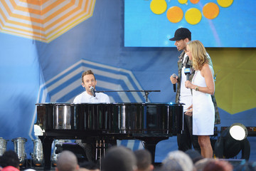 Lara Spencer Afrojack Performs on 'GMA'