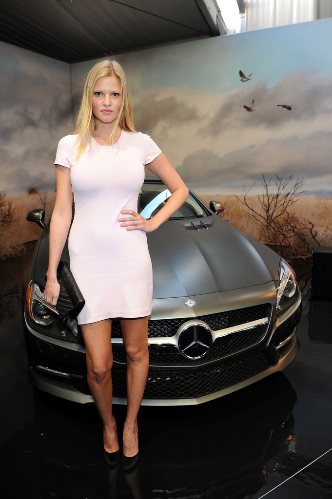 "Mercedes-Benz Fashion Week 2012 – New Campaign With Lara Stone ""Icons Of Milton"""