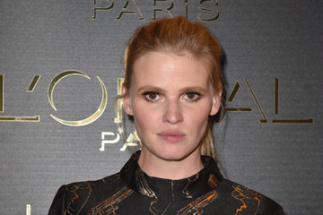 Lara Stone Gold Obsession Party - L'Oreal Paris : Photocall - Paris Fashion Week Womenswear Spring/Summer 2017