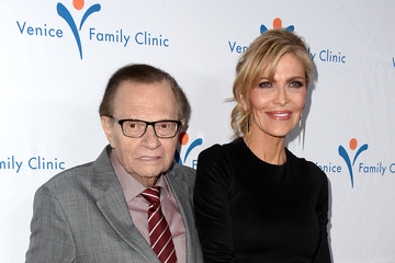 Larry King Venice Family Clinic Silver Circle Gala 2016 Honoring Brett Ratner and Bill Flumenbaum - Arrivals