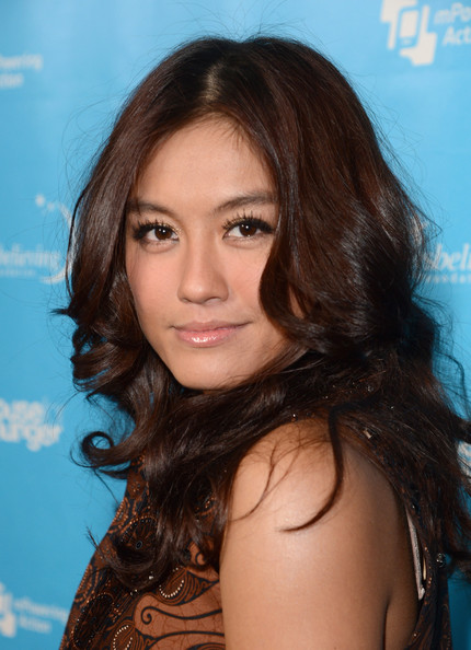 Agnes Monica earned a  million dollar salary - leaving the net worth at 2 million in 2018