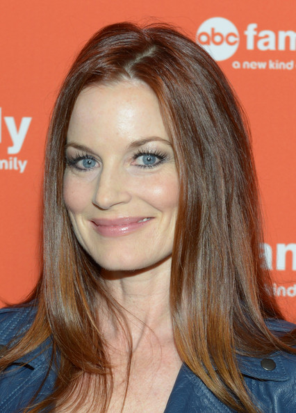 Laura Leighton earned a  million dollar salary - leaving the net worth at 2 million in 2018
