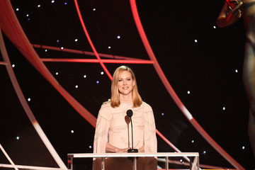 Laura Linney 24th Annual Screen Actors Guild Awards - Show