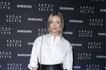 Laura Whitmore SpaceSelfie With Cara Delevingne - Photocall