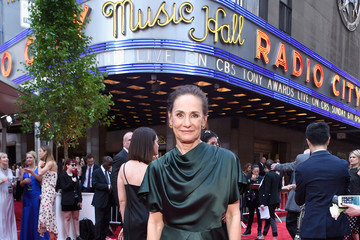 Laurie Metcalf 2017 Tony Awards - Red Carpet