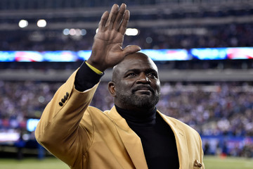 Lawrence Taylor Indianapolis Colts v New York Giants