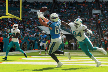 Lawrence Timmons Tennessee Titans v Miami Dolphins