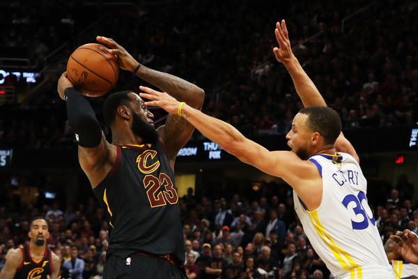 2018 NBA Finals - Game Three [basketball,basketball moves,sports,basketball player,ball game,team sport,player,basketball court,fan,lebron james,user,user,stephen curry,game,note,ball,nba,cleveland cavaliers,finals]