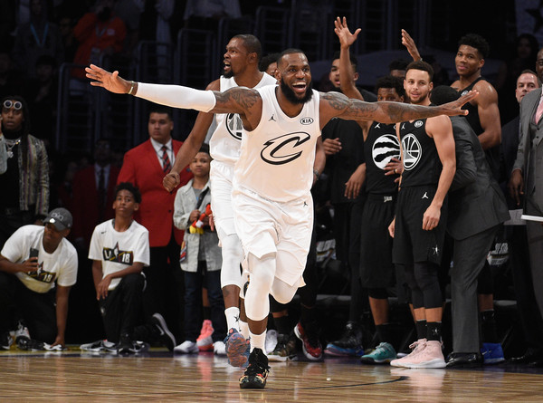 NBA All-Star Game 2018 [sports,basketball,basketball player,team sport,basketball moves,player,tournament,basketball court,event,staples center,california,los angeles,nba all-star game,end,team lebron,lebron james 23,team stephen,stephen curry]